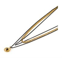 שרשרת כוכב מולטי בציפוי זהב 24 קראט עם אבן סברובסקי שחורה