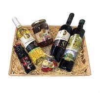 מארז ראש השנה הכולל דבש, יין אדום ולבן, שמן זית, שוקולד ורכז רימונים