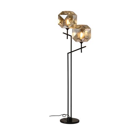 מנורת עמידה מעוצבת בסגנון מודרני דגם קנדל קוניאק 2