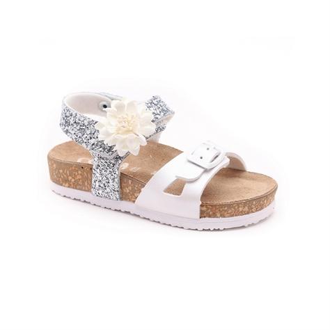 Candy - סנדלי ילדות בצבע לבןכסף עם רצועה בעיטור פרח