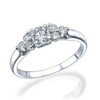 טבעת 3 יהלומים מרהיבה ומעוצבת
