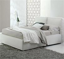 מיטה זוגית למזרן בגודל 140/190 עם ריפוד בדמוי עור דגם דובה תוצרת LIVING ROOM