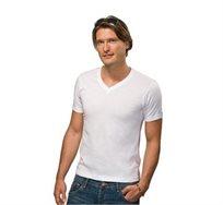 שש חולצות T בצבע לבן מבית HANES או fruit of the loom, עשויות מבד 100% כותנה