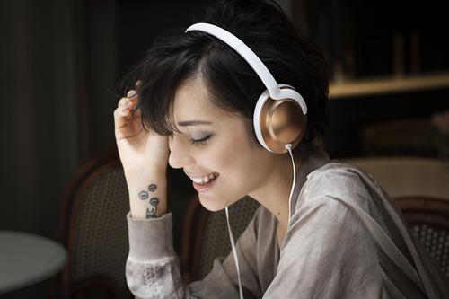 אוזניות קשת Philips דגם SHL4805RG צבע לבן - משלוח חינם - תמונה 4