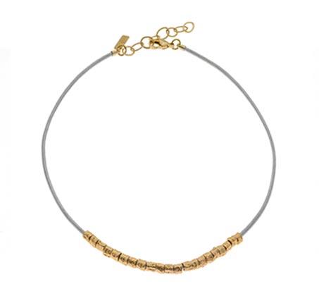 שרשרת פרעה עם חרוזים בצבע זהב וחוט עור אפור
