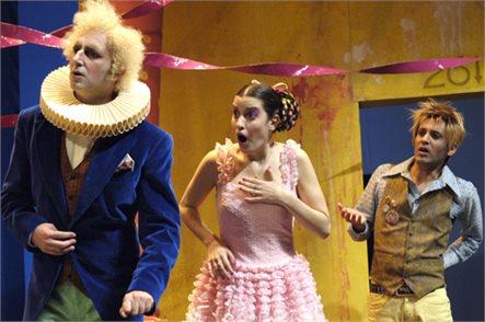קיץ של תרבות! כרטיס פתוח למבחר הצגות מבית תיאטרון הקאמרי, כולל הצגות הקיץ בפארק הירקון, רק ב-₪75! משלוח חינם! - תמונה 5