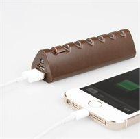 מטען נייד לכל מכשיר סלולארי בעיצוב שוקולד קטן ונוח במיוחד בנפח 2600