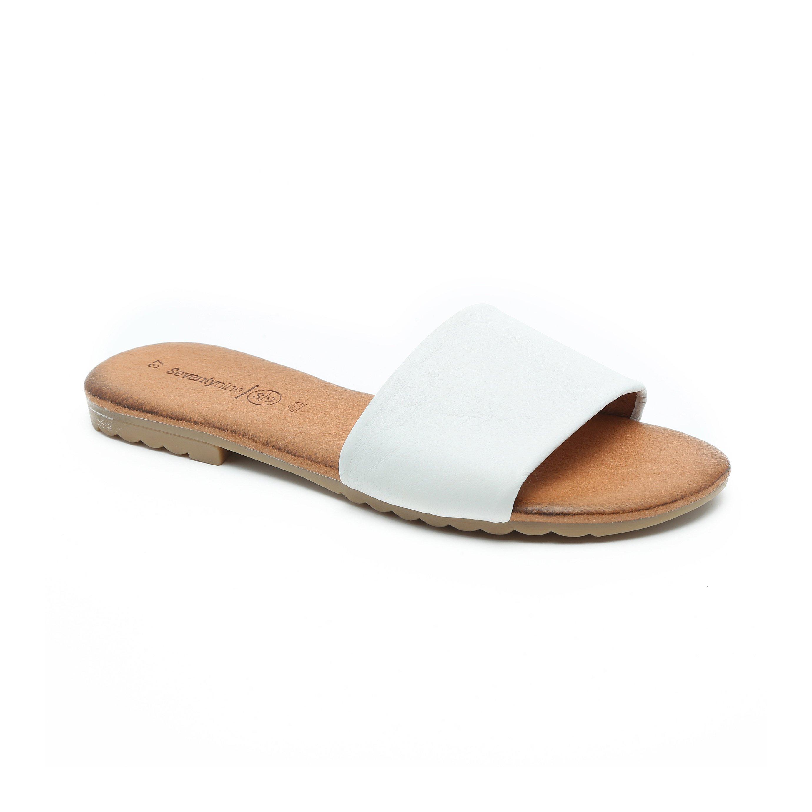 Seventy Nine - כפכף שטוח עם רצועה עבה בצבע לבן
