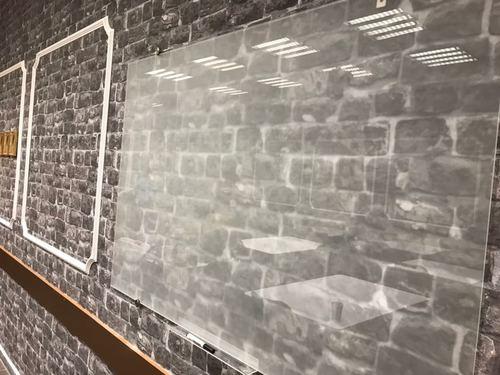 לוח מחיק זכוכית שקוף מט 100x150 ס