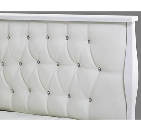 מיטה רחבה משולבת קפיטונז' בגב המיטה עם בד דמוי עור דגם פרינסס צבע לבן מבריק LEONARDO - תמונה 2