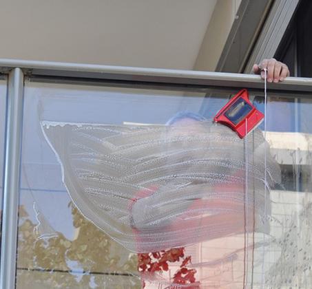 מגב הפלא לניקוי חלונות בידודית משני הצדדים בבית ולמרפסת ב-3 דגמים לבחירה BPATENT - תמונה 5