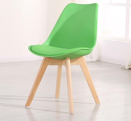 כיסא מעוצב לפינת אוכל דגם OSCAR עם מושב מרופד בדמוי עור מבית BRADEX - תמונה 2