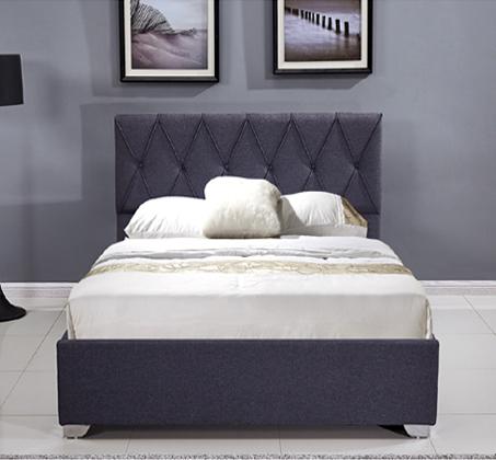 מיטה זוגית מעוצבת עם תיפורי נוי קאפיטונאז' בריפוד בד עם ארגז מצעים דגם אוליבר HOME DECOR - תמונה 2