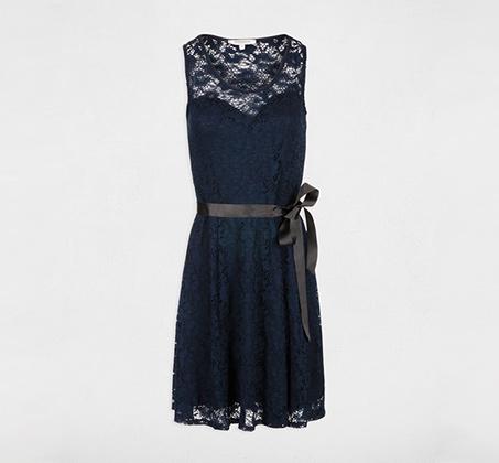 שמלת תחרה עם חגורה MORGAN - כחול רויאל