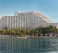 """לילה מפנק במלון היוקרתי 'רויאל ביץ'' אילת ע""""ב ארוחת בוקר רק ב-₪859"""