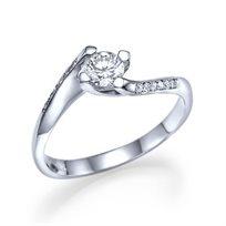 """טבעת אירוסין טוויסט """"פאולינה"""" בשיבוץ יהלומים 0.41 קראט"""