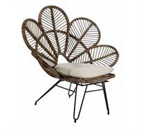כורסא מעוצבת דגם מייפלאור ביתילי עשויה מראטן בשילוב ארבעה רגלי מתכת כולל כרית נוי מתנה