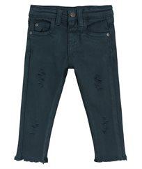 מכנסי גינס צבעוניים עם קרעים