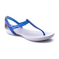 Crocs Isabella T-Strap - סנדל נשים שטוח עם רצועות דקות בצבע כחול