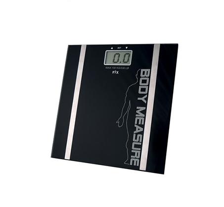 משקל אדם דיגיטלי המודד גם אחוזי שומן ונוזלים