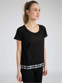Arena נשים // חולצת ספורטיבית שחור