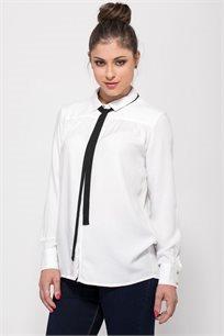 חולצת אריגה עם קשירה בצוואר