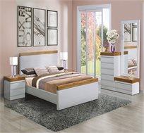 חדר שינה זוגי הכולל מיטה זוגית + זוג שידות וקומודה עם מראה LEVANTIN