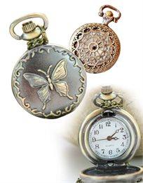 במרכז העניינים! שרשרת וינטאג' מעוצבת עם תליון שעון ועיטורי רטרו מיוחדים, בשני דגמים לבחירה!