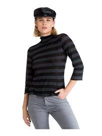 חולצת גולף צמודה לנשים מסריג דק ונעים במגוון צבעים לבחירה