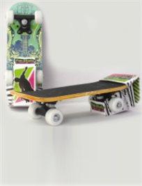 """להחליק בכיף! מיני סקייטבורד מעץ עם ציפוי NON STICK באורך 30 ס""""מ, עם גלגלים ABEC 5"""