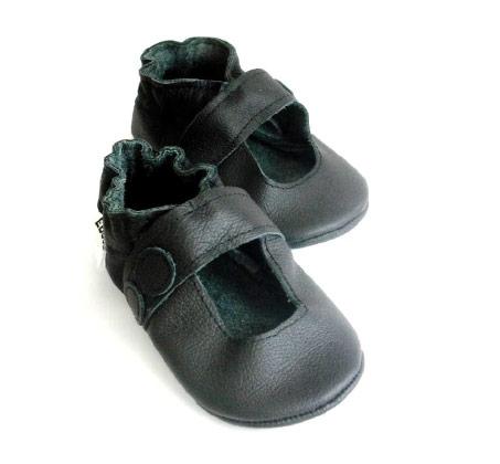 סנדלי טרום הליכה דגם בובה לבנות - שחור