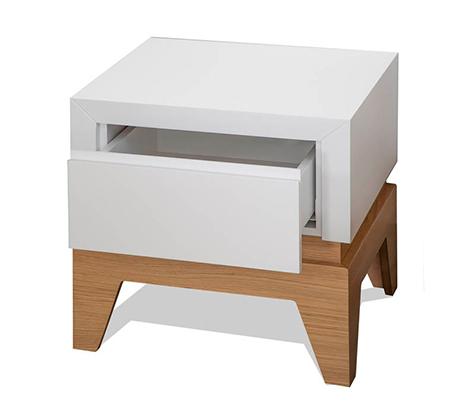 חדר שינה כולל מיטה זוגית, שתי שידות, קומודה ומראה עשוי עץ מלא משולב לבן מט דגם סוואנה LEONARDO - תמונה 3