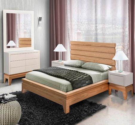 חדר שינה עם מיטה זוגית, שתי שידות, קומודה ומראה לאונרדו