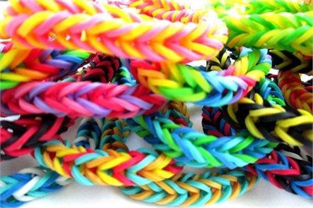 'loom bands' ערכה ליצירת צמידים לבנות ולבנים