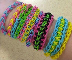 הלהיט העולמי 'loom bands' ערכה ליצירת צמידים מגומיות סיליקון צבעוניות - משלוח חינם! - תמונה 4