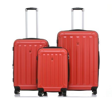 בנפט סט 3 מזוודות קשיחות SWISS ALPS בצבע אדום BA-12