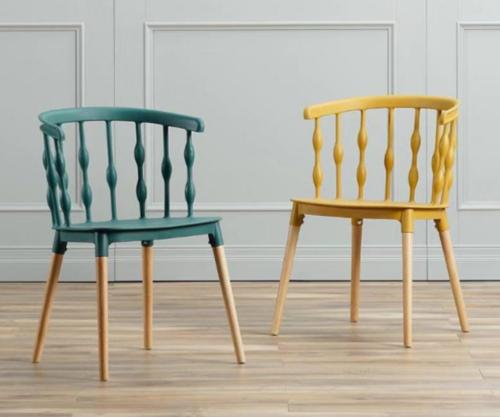 כיסא מעצבים בצבע כחול שילוב של עץ ופלסטיק - תמונה 3