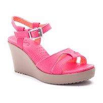 Crocs Leigh Sandal Wedge - סנדל עקב בצבע ורודמשרום