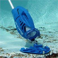 """""""מקס"""" שואב לניקוי בריכה מבית Pool Blaster, המנקה עלים חול ופסולת מתחתית הבריכה בעל זמן עבודה ארוך - משלוח חינם!"""