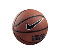 כדורסל NIKE מעור סינטטי דגם VERSA TACK בגימור מושלם ומיועד לכל המשטחים