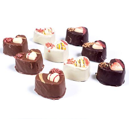 חטיף בצורת לב בציפוי שוקולד Love cake
