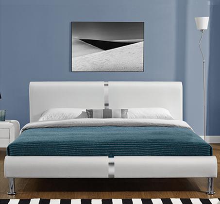 מיטה זוגית מרופדת בעיצוב מרשים עם בסיס עץ מלא ורגלי ניקל דגם נינה HOME DECOR  - תמונה 2
