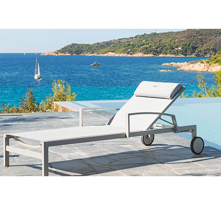 מיטת שיזוף עם גלגלים בעלת 4 מצבים כולל כרית ראש ומשענות יד דגם OCLAND - תמונה 4