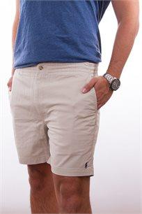 מכנסיים קצרים לגבר POLO RALPH LAUREN גזרת CLASSIC FIT בצבע אפור בהיר