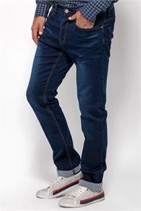 ג'ינס רגל ישרה