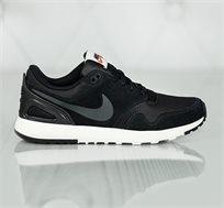נעלי נייק לגברים דגם Air Vibenna בצבע שחור