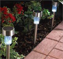 מושלם לגינה! 3 פנסי לד סולארים מרשימים מנירוסטה, ללא צורך בחשמל, נדלקים אוטומטית בלילה!
