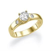 """טבעת אירוסין זהב צהוב """"גיזל"""" 0.51 קראט בשיבוץ שונה וייחודי"""
