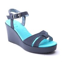 Crocs Leigh Sandal Wedge - סנדל עקב בצבע גינס