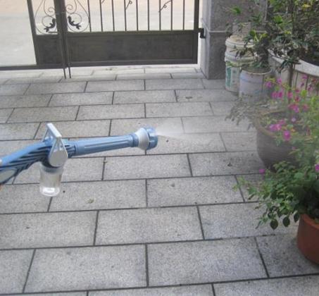 מנקים את החלונות בקלות עם EZ Jet Water Cannon תותח מים סילוני בעל 8 יציאות שונות ומיכל סבון מובנה - משלוח חינם - תמונה 2